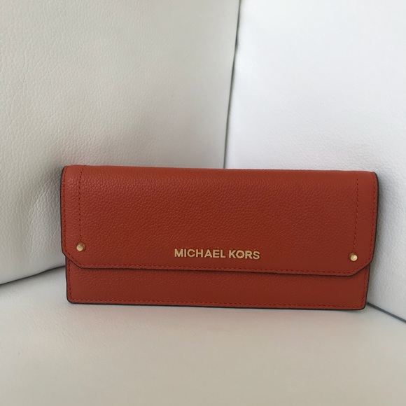 a3ce581336b4 Michael Kors Bags | Nwt Hayes Wallet | Poshmark